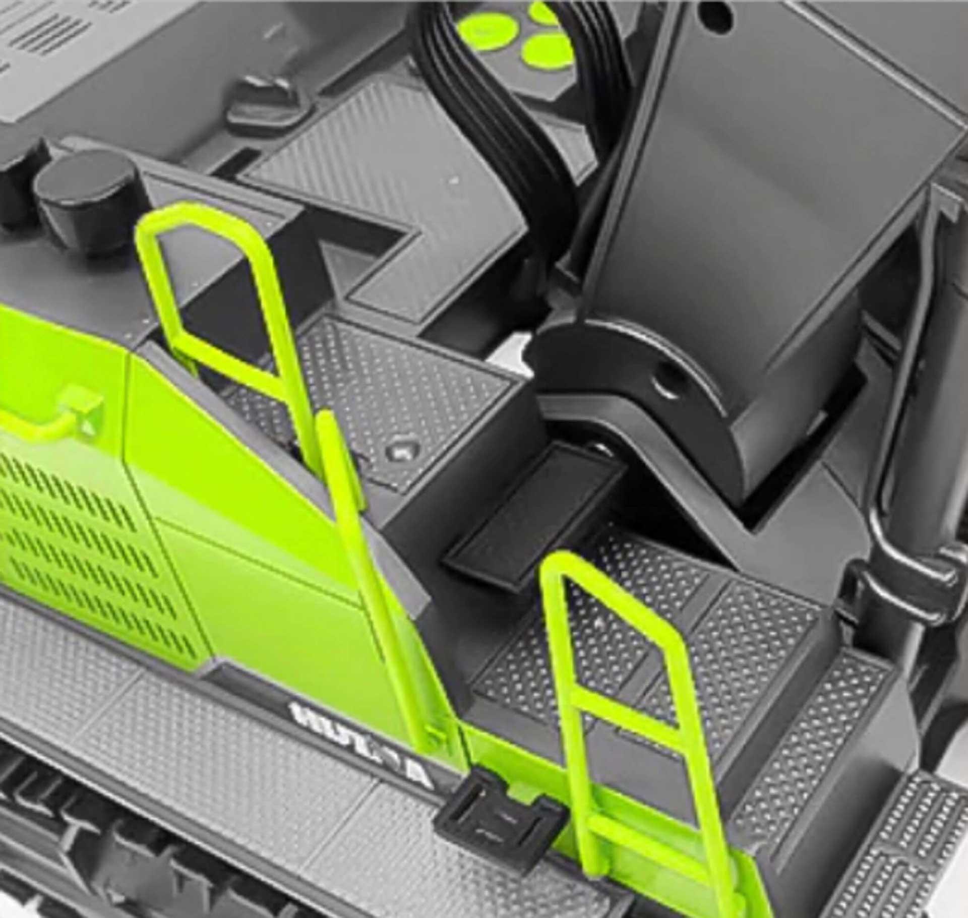 FM-ELECTRICS Kettenbagger 1:14 Grün mit hochwertiger Technik RTR