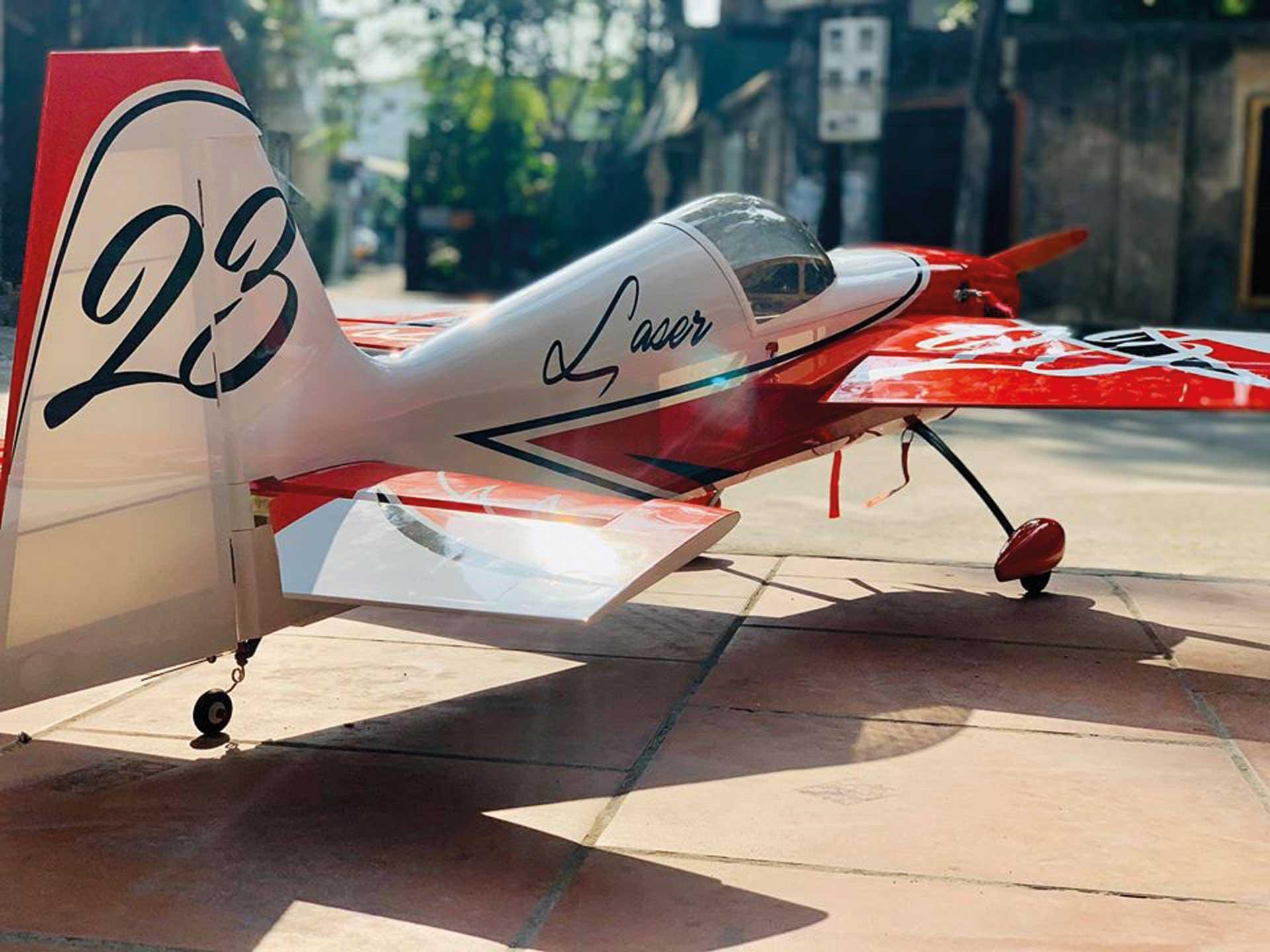"PILOT-RC LASER 67"" ARF RED/WHITE/BLACK #01"