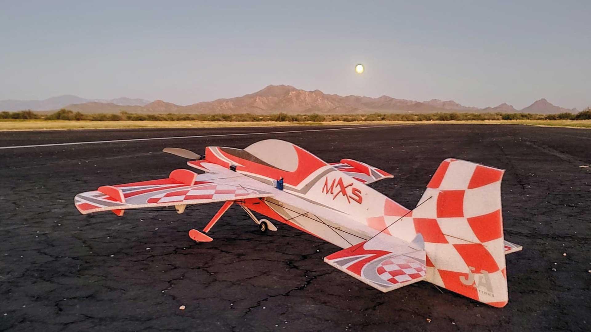"JTA Innovations MXS (rot/schwarz) 33"" EPP 3D-Kunstflug Modell"