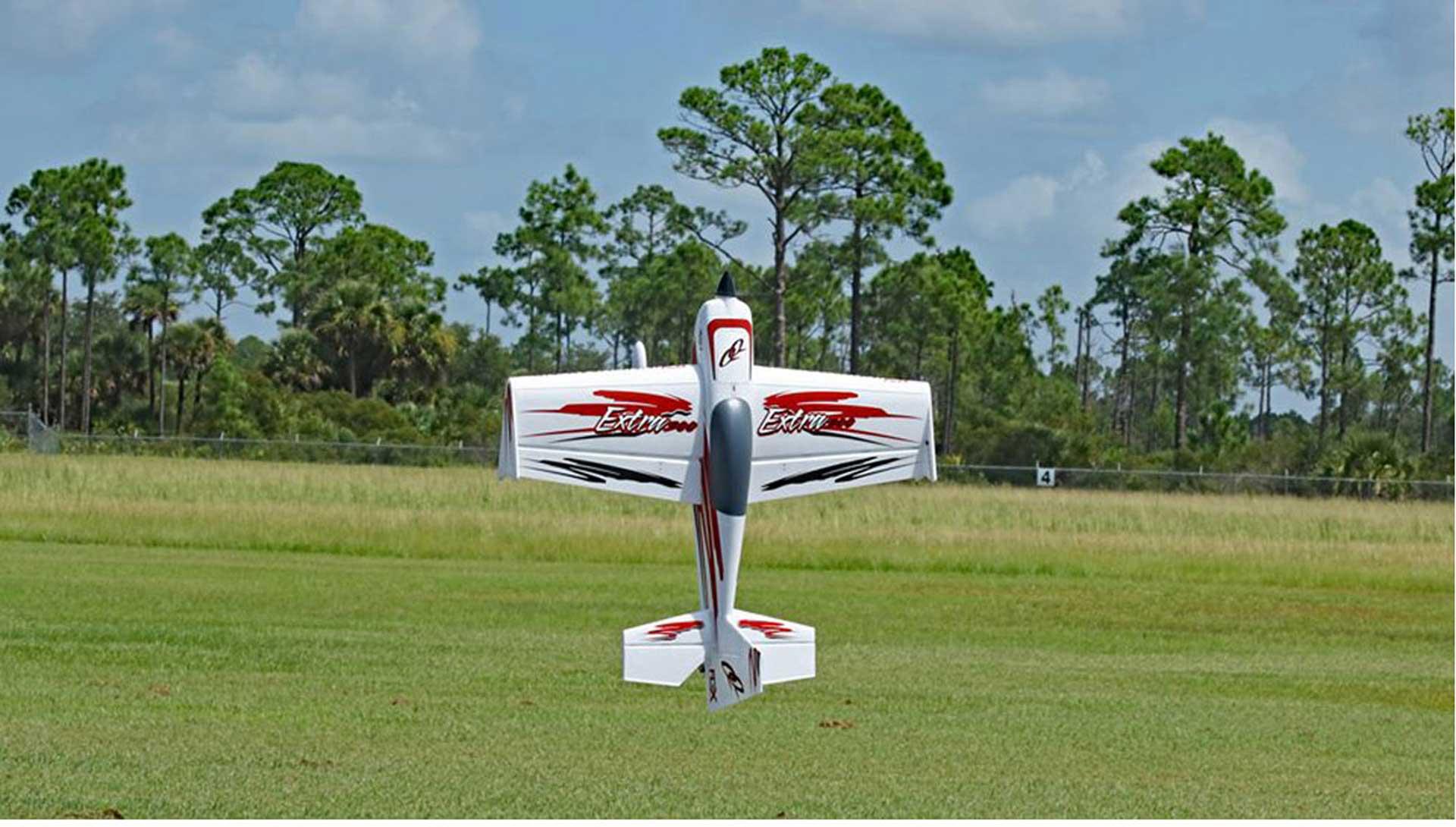 PREMIER AIRCRAFT QQ EXTRA 300 V2 ROT/SCHWARZ SUPER PNP MIT AURA 8