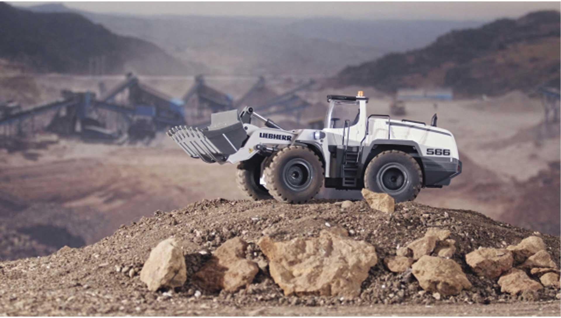 FM-ELECTRICS Liebherr Metal-Wheelloader Mining Edition white **limitiert**