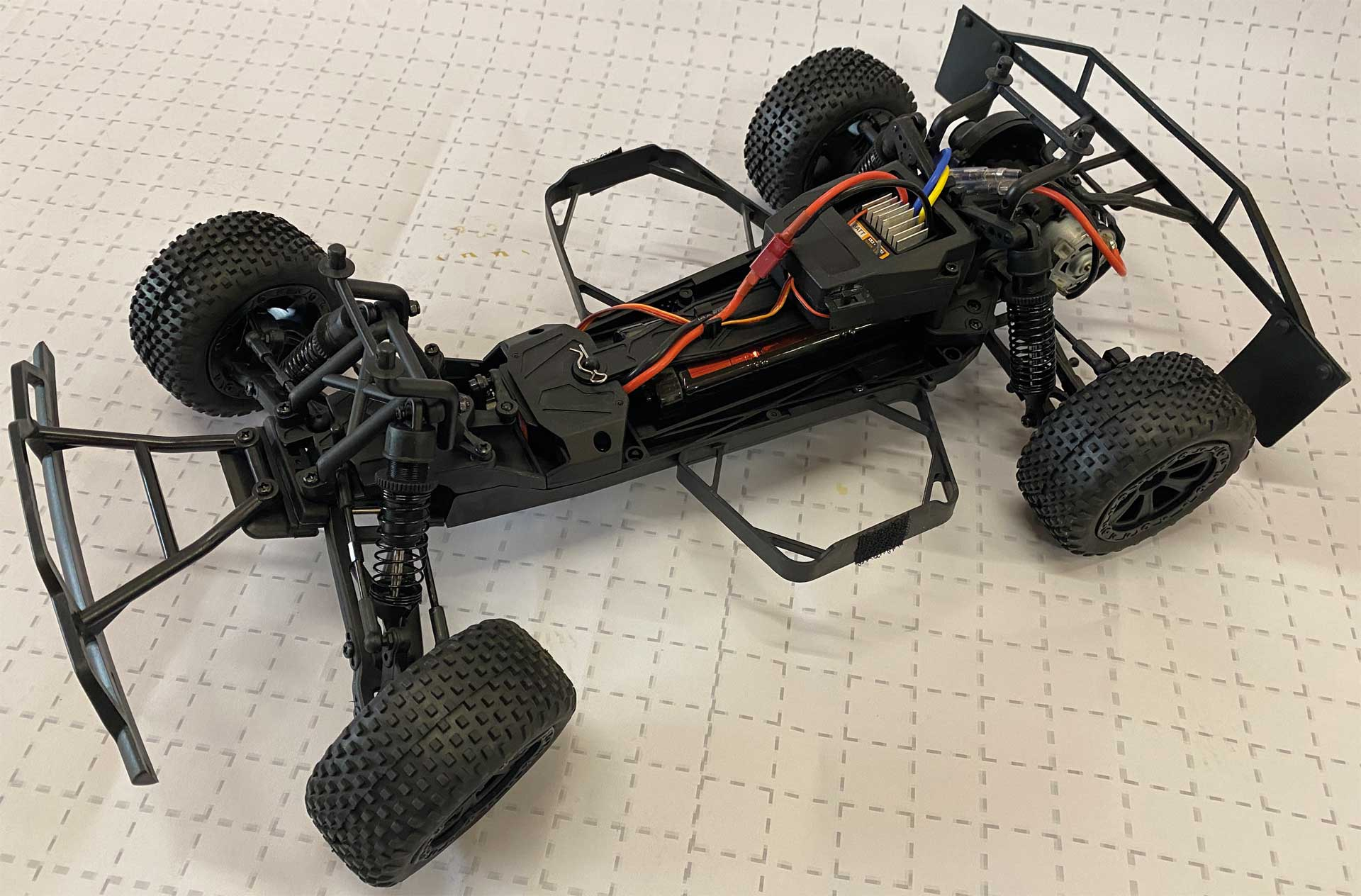 DRIVE & FLY MODELS CRUSHER Short Course 2WD - RTR 1/10 EP 2,4GHz