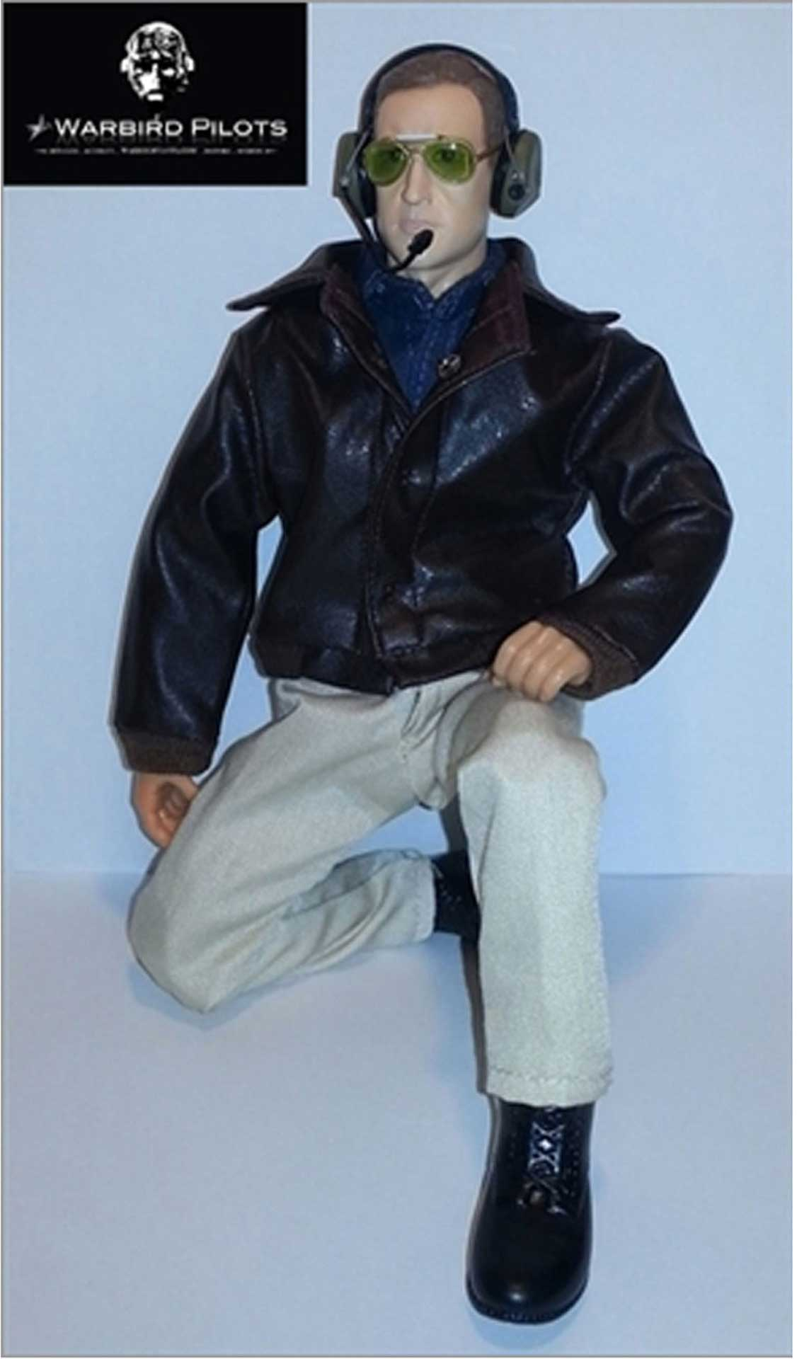 "WARBIRD PILOTS CIVIL PILOT 1:5-1:6 12"" WITH SUNGLASSES AND MOVABLE HEAD"